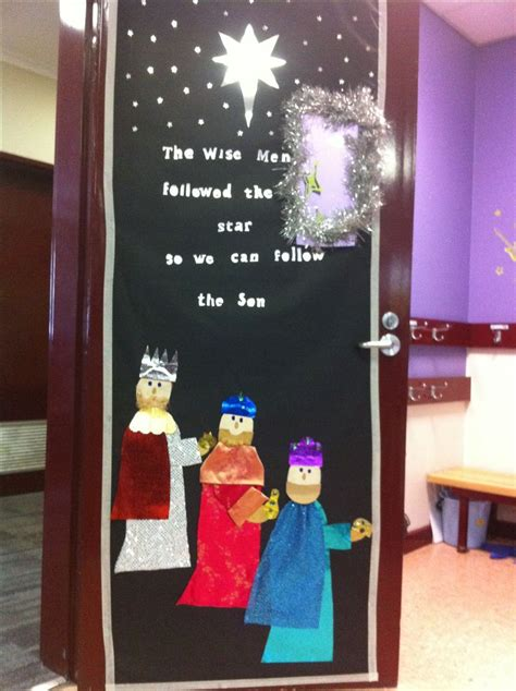 christmas doors classroom 17 best images about classroom doors on peace on earth classroom door and