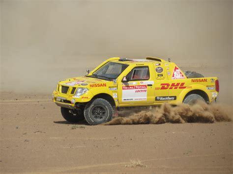 nissan dakar la nissan navara vuelve a competir en el dakar con pilotos