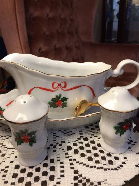 gravy boat christmas walbrzych china gravy boat with salt and pepper shaker