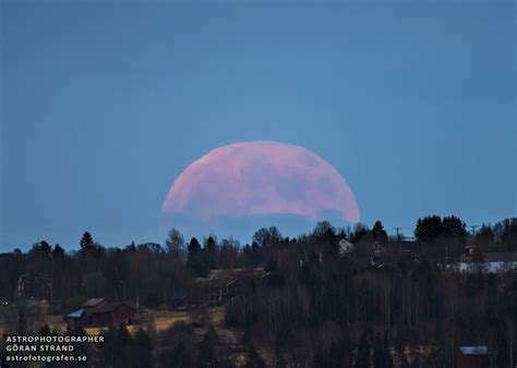 full strawberry moon full strawberry moon update 12 june 2014 9 11 pm pdt