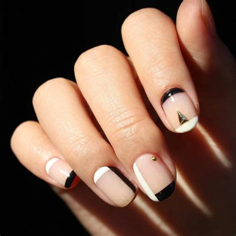 Simple Nail Pics by 40 Nail Design Pictures Simple Nails According To New