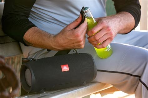 jbl xtreme  review  sturdy bluetooth speaker     partying techhive