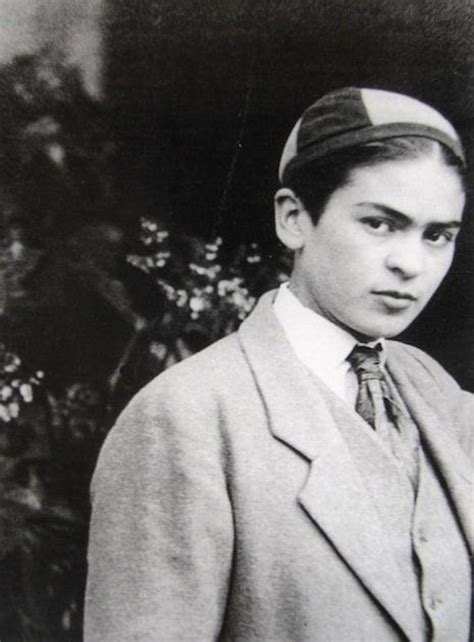 a e biography frida kahlo photos of frida kahlo dressed as a young man in 1924