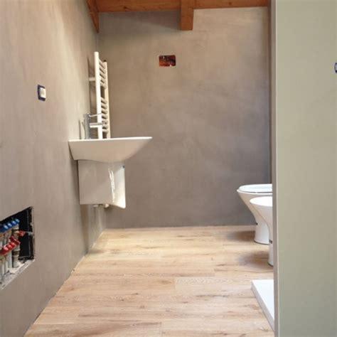 pavimento in resina bagno ristrutturazione bagno resine e parquet materie