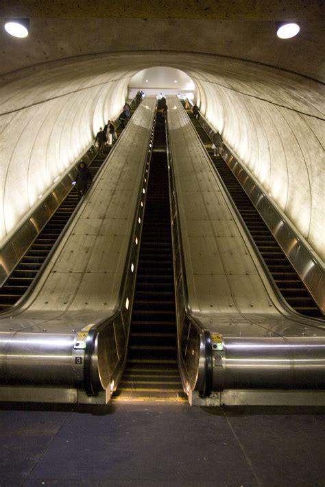 ggw   pain  riders face  metro