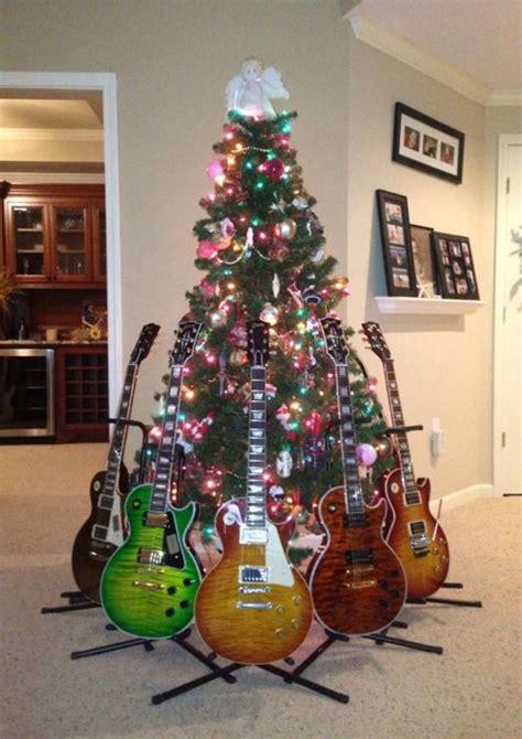 christmas tree on a rock fuckyeahguitars