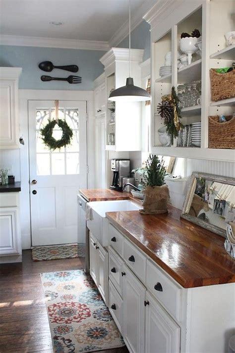Cottage Kitchen Cupboards - best 25 white cottage kitchens ideas on