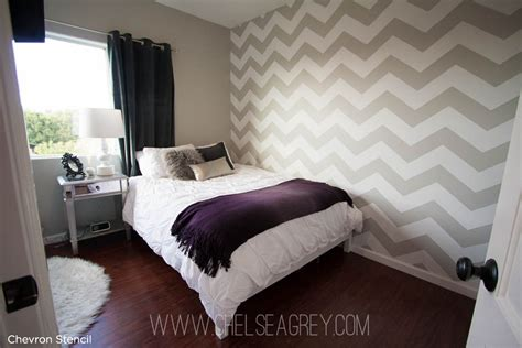 chevron bedroom ideas an enchanting chevron stenciled bedroom 171 stencil stories