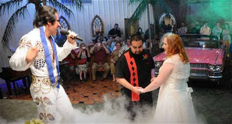 Las Vegas Elvis Weddings   Elvis Theme Wedding Packages