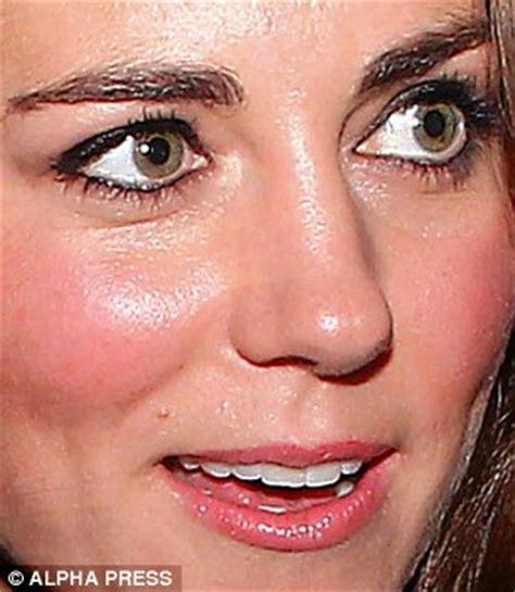 kate middleton eye color kate middleton s brow why has duchess of cambridge