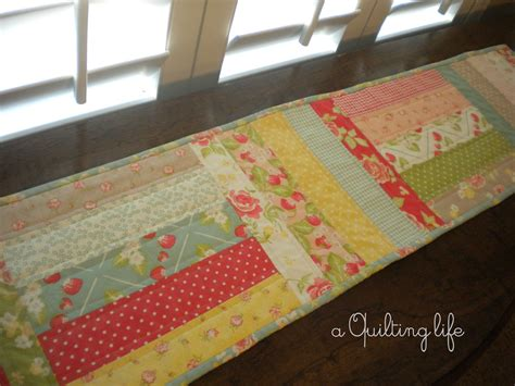 Quilted Table Runner Tutorial simple table runner a tutorial a quilting a