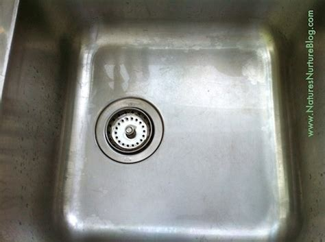 Clean Sink Faucet by Non Toxic Scouring Powder With 2 Simple Ingredients