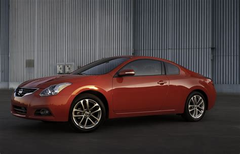 nissan coupe 2010 2010 nissan altima coupe photo gallery autoblog