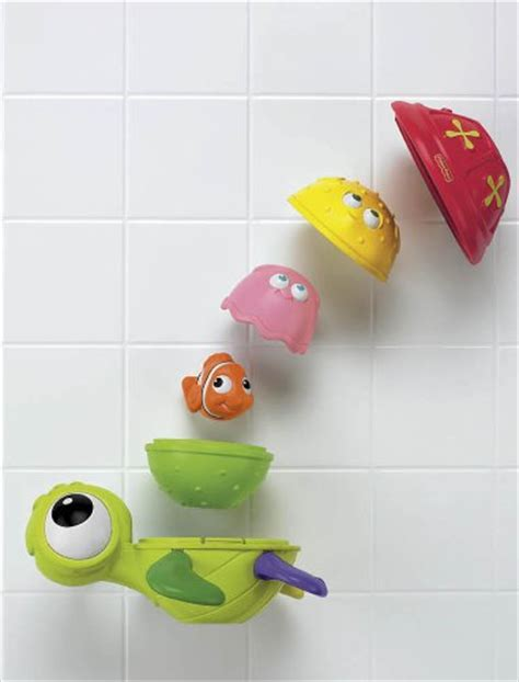 finding nemo baby bathtub amazon com fisher price disney baby nemo nesting bath