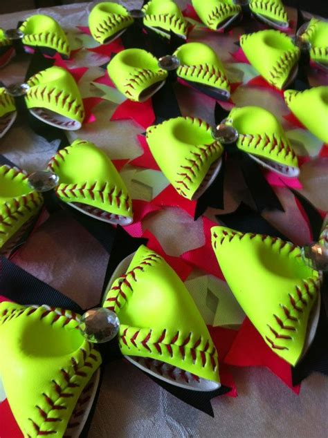 cute themes for teams 12 softball hair bows cool idea use background colors to