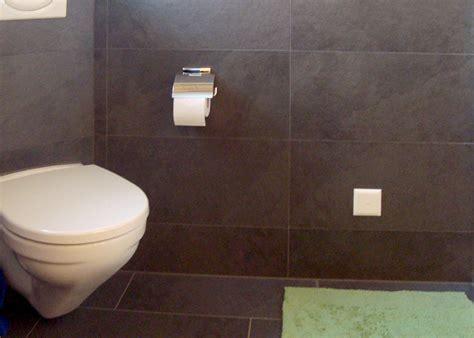 badezimmer mülleimer badezimmer fliesen badezimmer grau gr 252 n fliesen