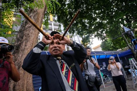 malaysian bomoh raja bomoh sedunia is wanted by jawi and for