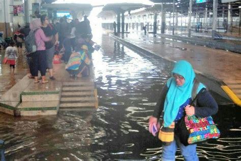 Hair Dryer Di Bandung pendeteksi sinyal terendam banjir pt keringkan pakai