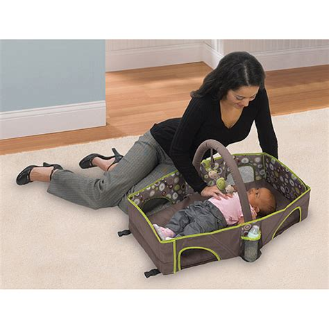 summer infant travel bed summer infant deluxe infant travel bed walmart com