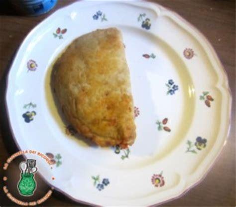 ricetta calzone alla napoletana ricette calzoni fritti alla napoletana