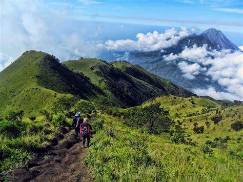 daftar film petualangan gunung daftar 10 gunung eksotik di indonesia untuk pendakian