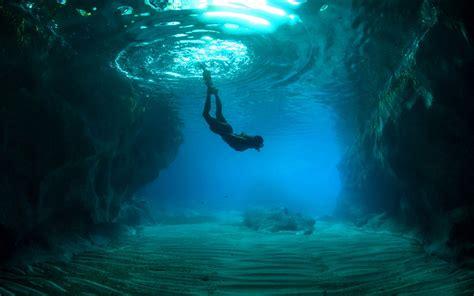 dive blue into the blue oceans diving
