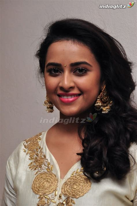 actress gallery india glitz sri divya tamil actress gallery indiaglitz tamil
