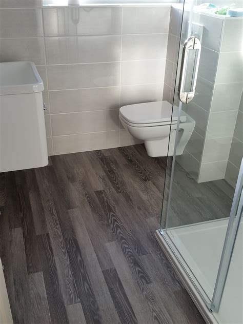 Would you like a wood effect floor in your bathroom?   Red