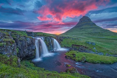 Mountain Light In Search Of The Dynamic Landscape When To Visit Iceland Best Time To Go What To See