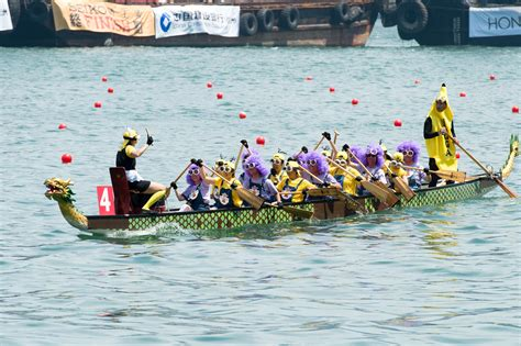 dragon boat racing what to wear ph bags medals at hk dragon boat carnival abs cbn news