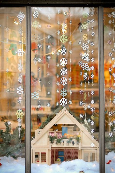 christmas house window displays 176 best window ideas images on pinterest credenzas christmas shop displays and