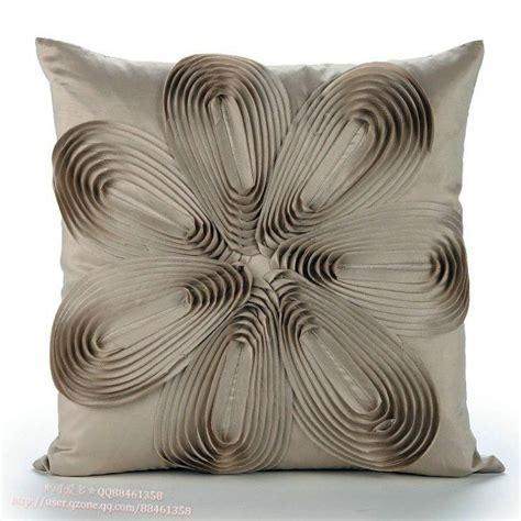 Oreillers Décoratifs by подушки с необычными фактурами трафик Pillow