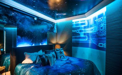 can you get a hotel room at 17 the ultimate trek hotel room global news
