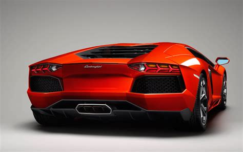 lamborghini back view lamborghini aventador rear view photo 43