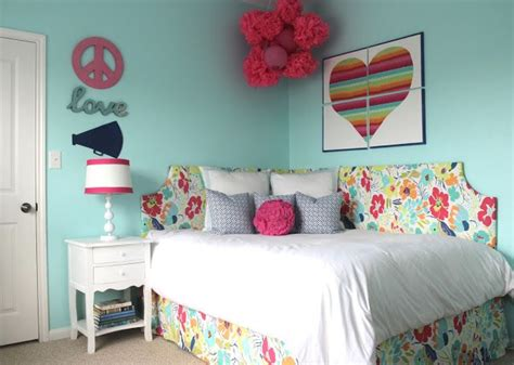 Corner Bed Headboard 1000 Ideas About Corner Beds On Pinterest Corner Bed Frame Siblings Bedroom And