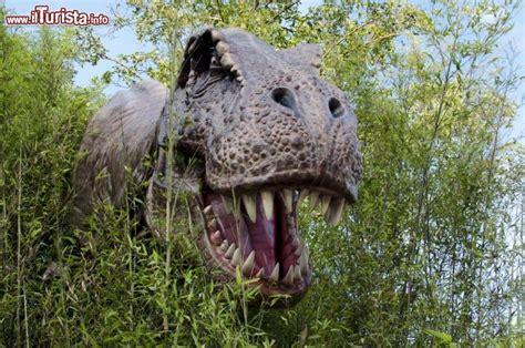 rettili volanti preistorici dove vedere i dinosauri in italia parchi musei mostre e