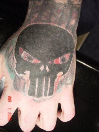 skull tattoo full hand scary skull tattoo on hand