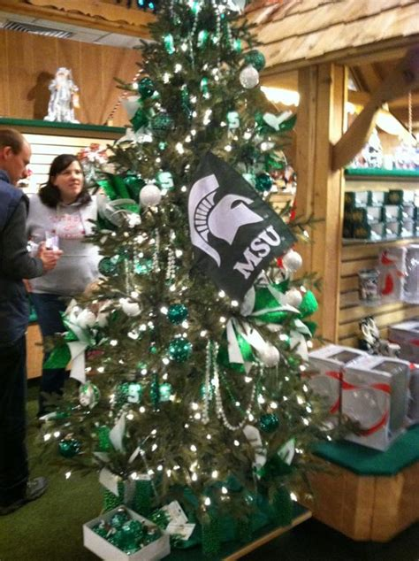 bonnars christmas trees michigan state spartans tree at bronner s in frankenmuth mi spartan green holidays