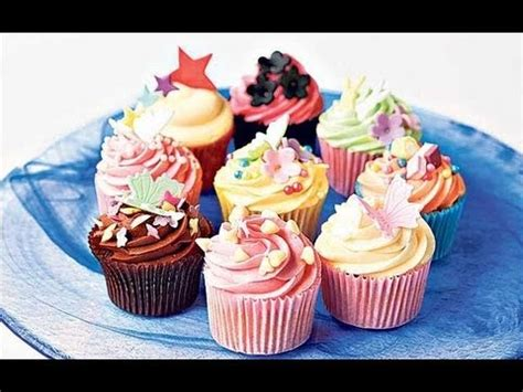 How To Decorate Cupcakes At Home by Cupcake Decorating How To Decorate Cupcakes Using Crumb