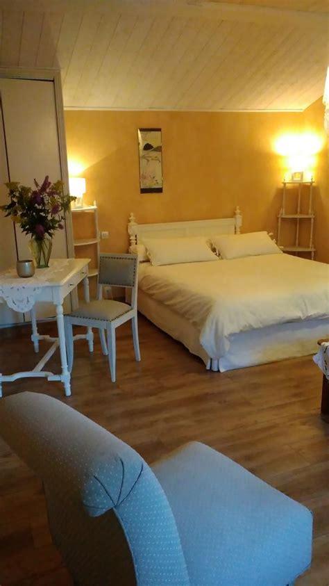 table de salon de jardin 2930 chambre d h 244 tes villiers en plaine location de chambre d