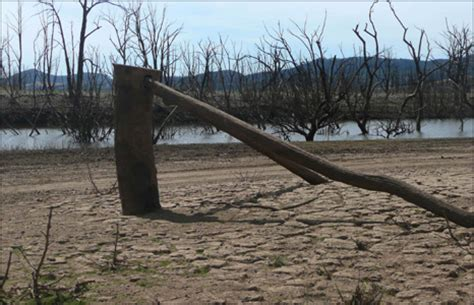 boat storage eildon bbc news in pictures in pictures the drought in benalla