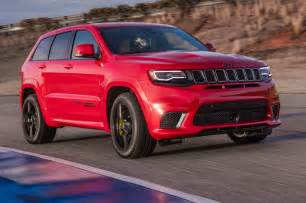 Jeep Motor Trend Car News 2018 Jeep Grand Trackhawk Drive Fastest Suv Carries A Jeep Badge Motor Trend