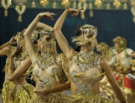 rio carnival  spectacular     glamorous revellers samba dancers  costumes