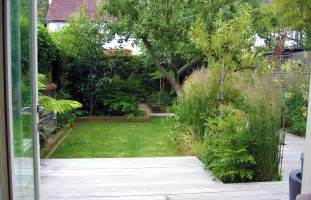 garden design for small garden with decking