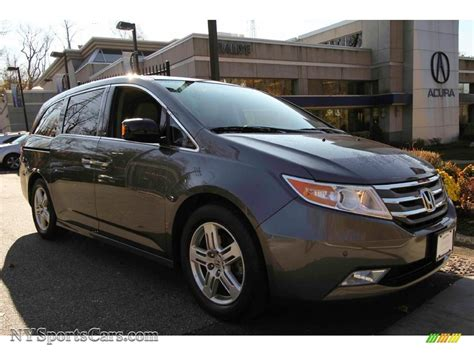 2013 honda odyssey touring 2013 honda odyssey touring in polished metal metallic