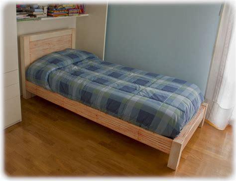 letti singoli in legno letto singolo in legno e crash bamb 249