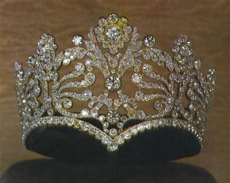 Du Tiara 72 best crown jewels images on royal jewels royal crowns and royal tiaras