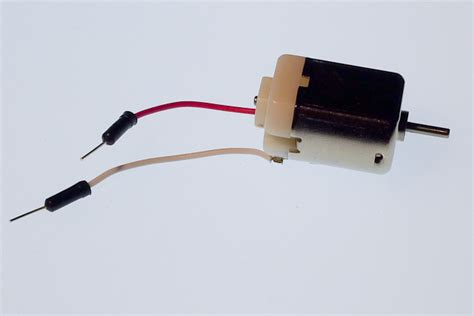 how to produce electricity from dc motor the world through electricity electromagnetism dc motor