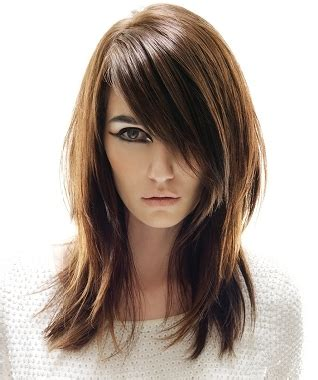 long hair shaped around face best haircuts for round shaped faces