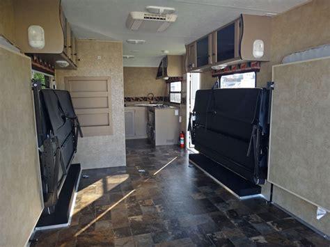 luxus garage luxus amerikanische wohnwagen mit garage atv magazin
